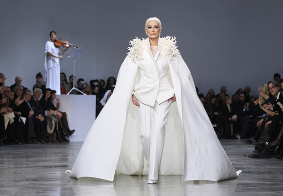 Carmen Dell Orefice, white, runway