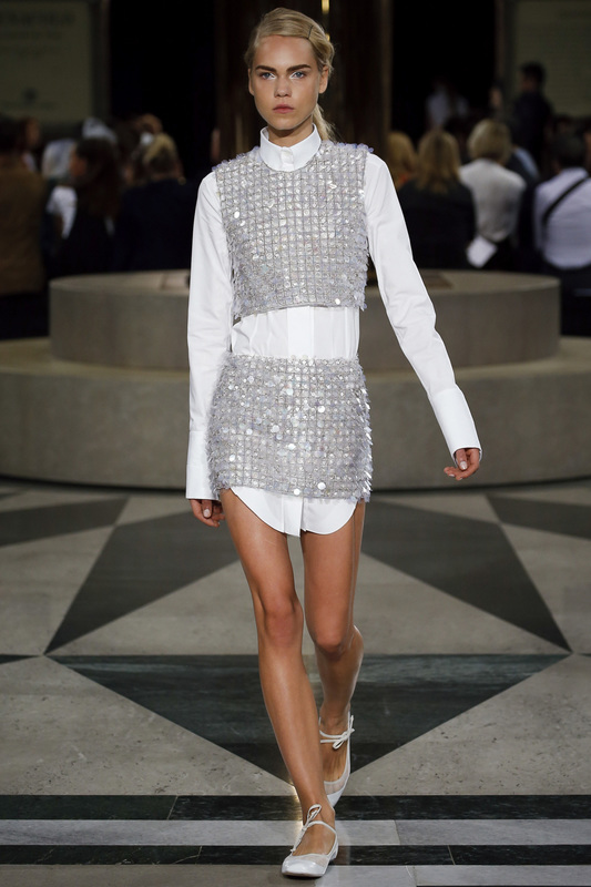 Aquilano Rimondi_runway_sp2016_silver_metallic_fashion