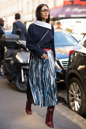 streetstyle_metallic_pleated_skirt